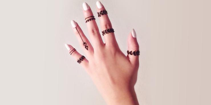 15 Bellsimos tatuajes de henna para tus manos