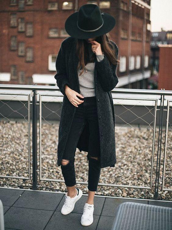 Outfits con ripped jeans negros para ser la chica con más ...
