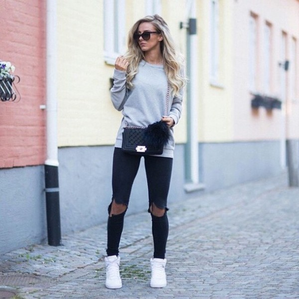 Outfits con ripped jeans negros para ser la chica con mu00e1s estilo de tu colegio
