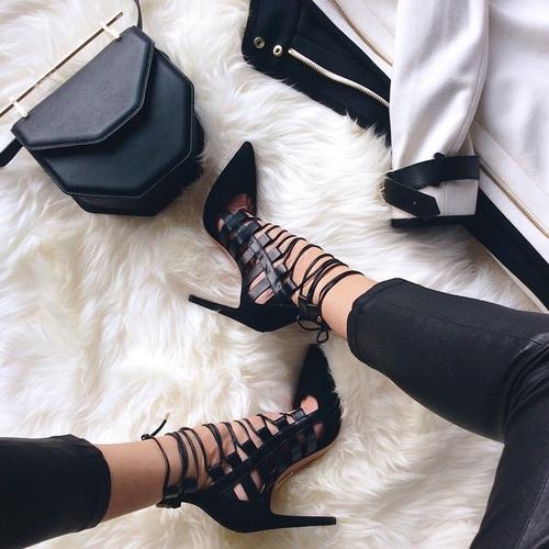 shoelace_heels
