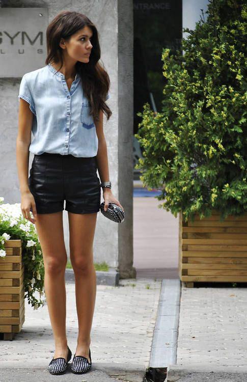 shorts negros cuero