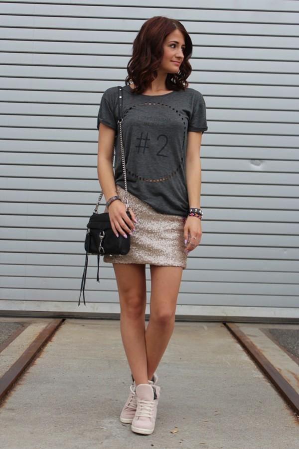wedge con falda brillante