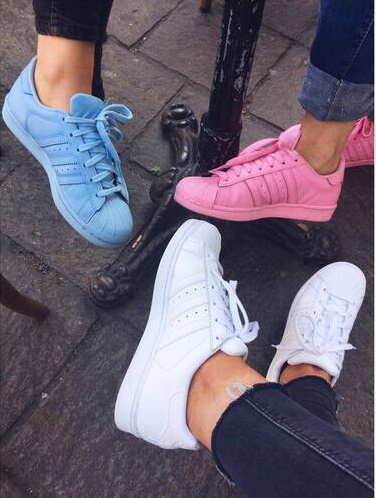 zapatos igualitos