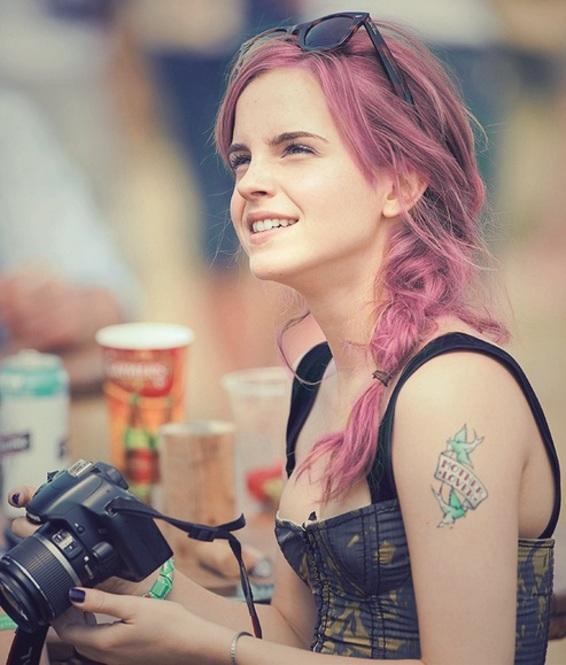 emma watson rosa cabello