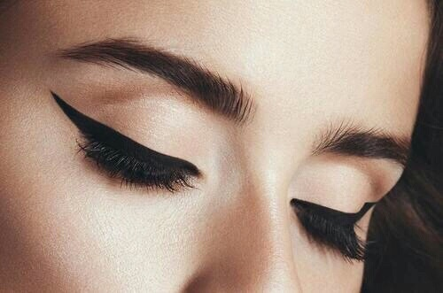 eyebrow brown