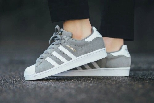 imagenes de zapatos adidas clasicos grises