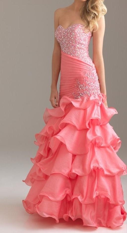Tips Para Poder Usar Un Vestido Rosa En Tu Graduación