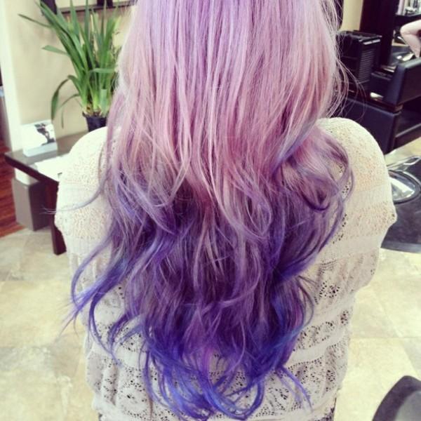 rosa con morado cabello