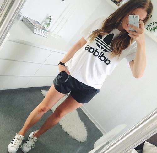 shorts cuero negros y adidas