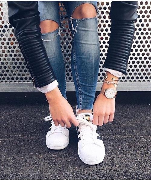 skinny jeans tennis