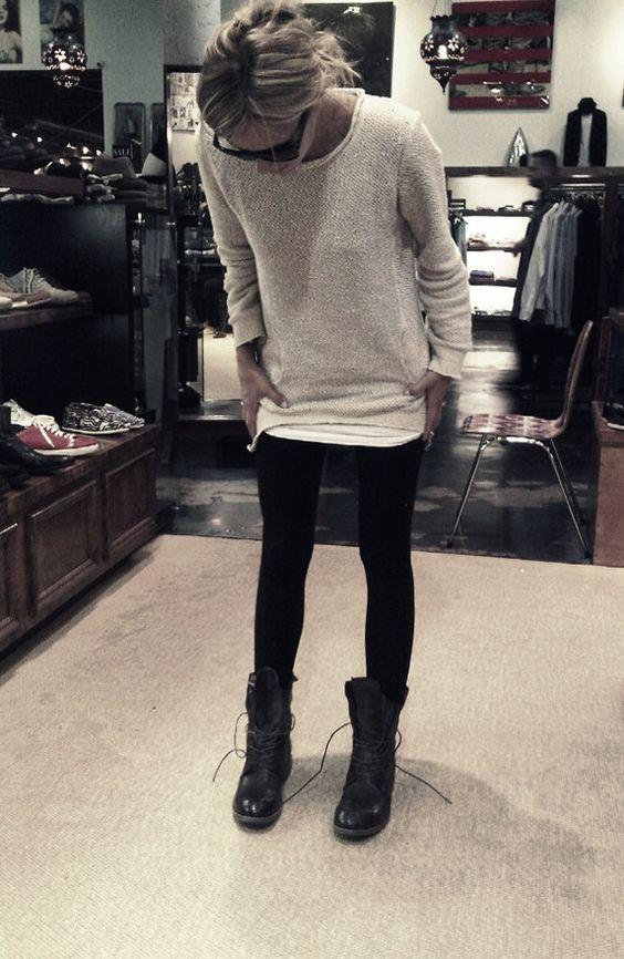 botas leggings y sueter grande