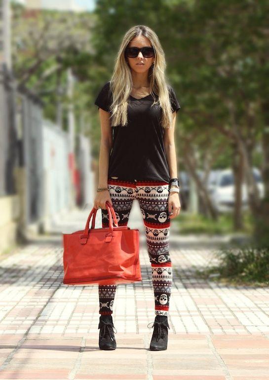 combinar leggings con bolso grande