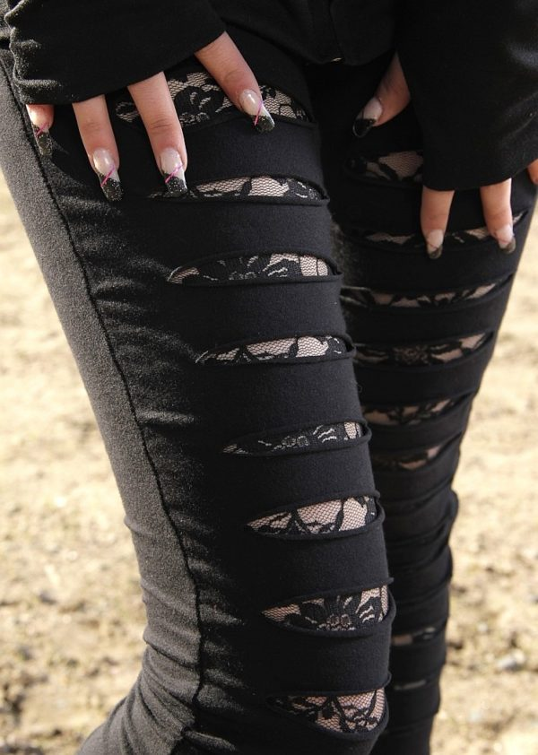rasgados pantalones