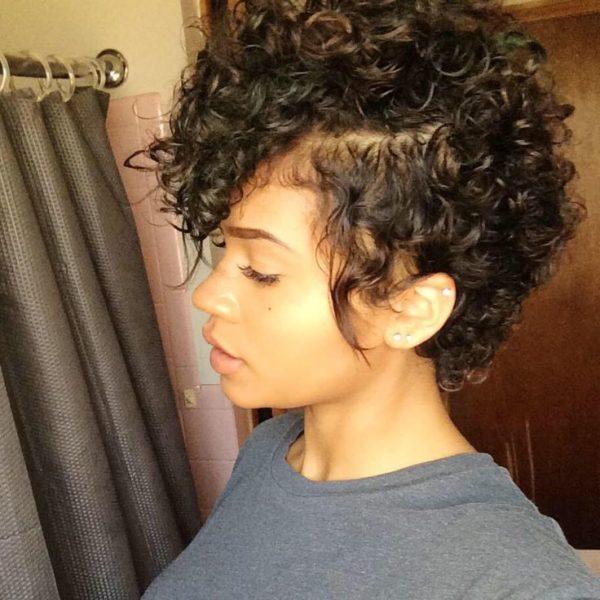 Ver cortes de pelo rizado corto