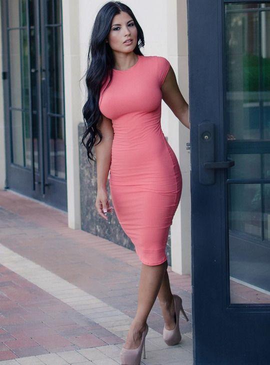 rosa vestido entallado
