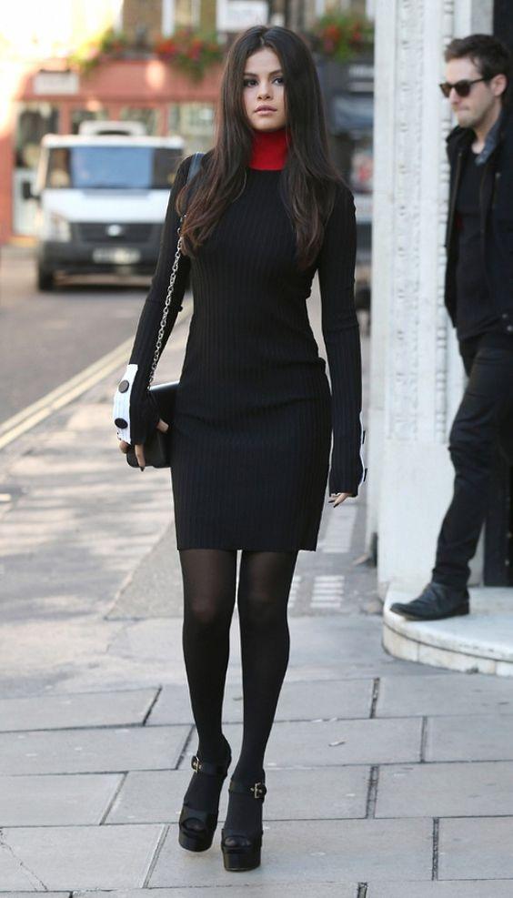 Vestidos con medias negras y botas