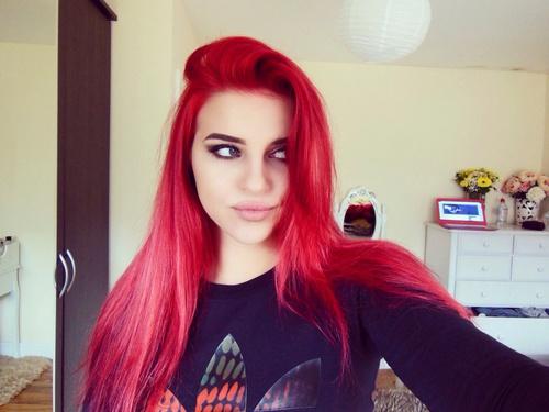 cabello rojo mujer