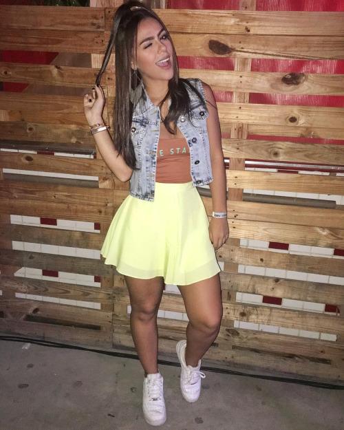 falda amarill