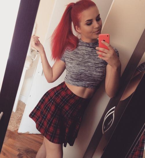 rojo chica cute