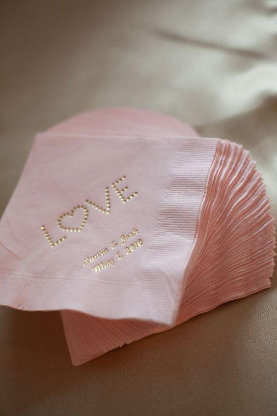 Ideas para que tu boda sea completamente color de rosa - Servilletas personalizadas ...