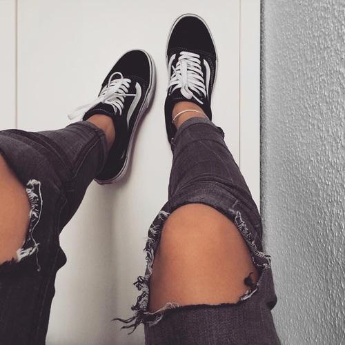 sneakers girl