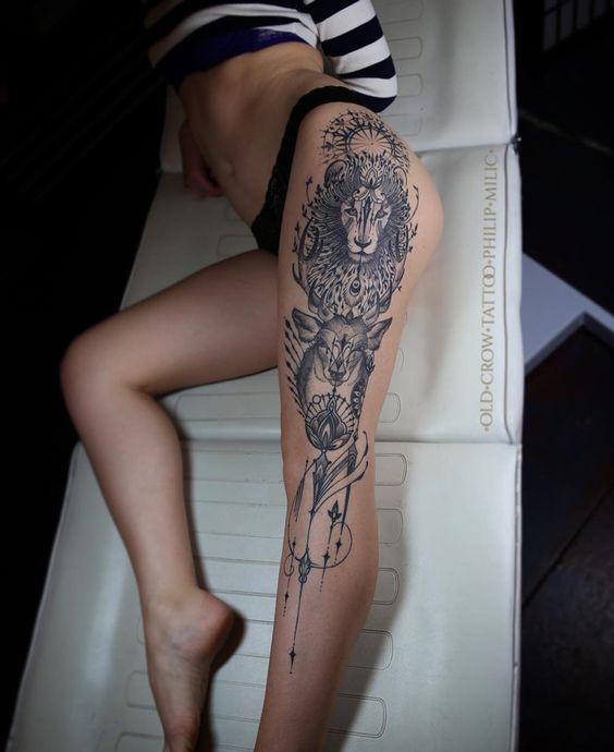 tatuaje cadera y pierna