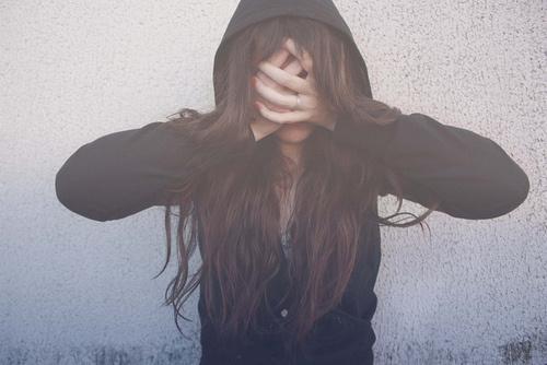 cabello suelto hoodie