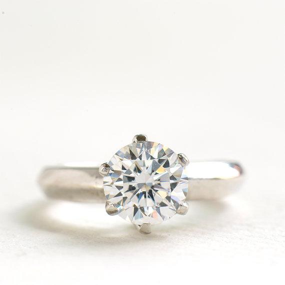 circonia anillo