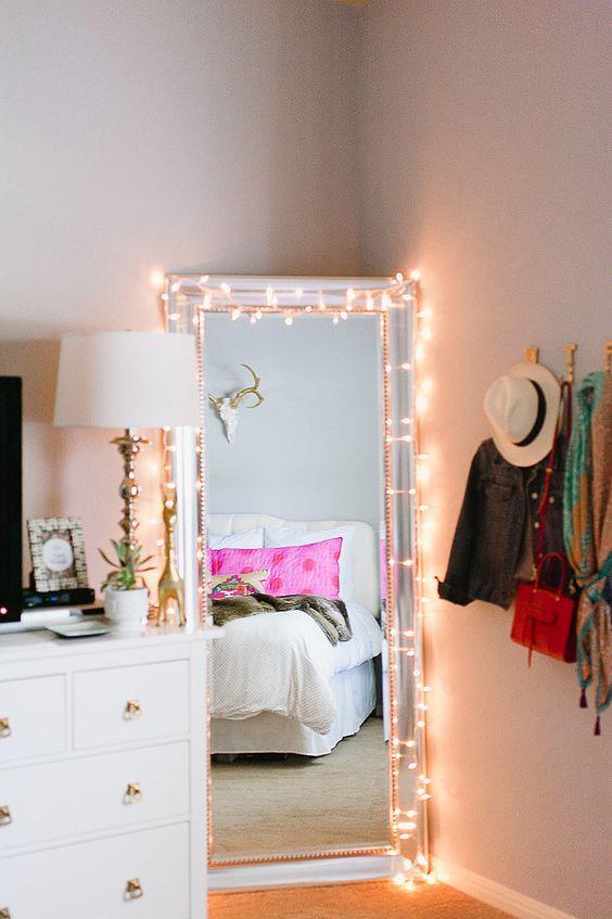 espejo blanco espejo con luces habitacion