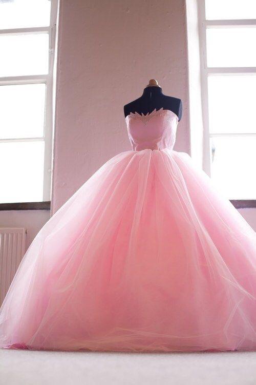 0977be19af Tips para elegir un vestido de XV años según tu tipo de cuerpo
