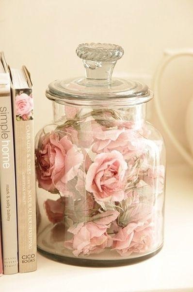 flores dentro de un jarron