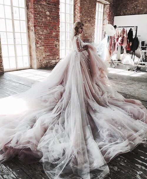 gaint dress