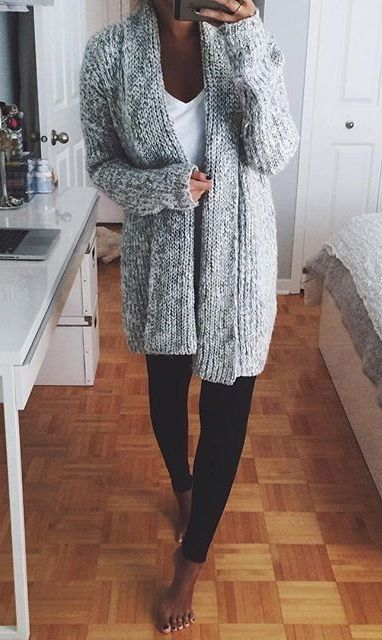 gray outfit con leggings