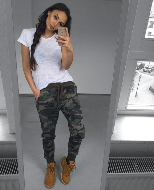 Outfits con botas Timberland en los que no te importaru00eda gastar todo tu dinero