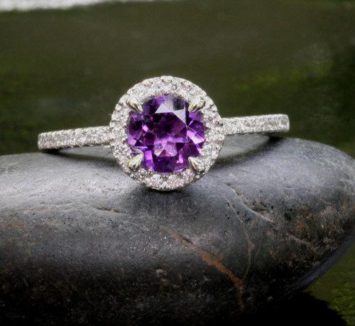 morado anillo