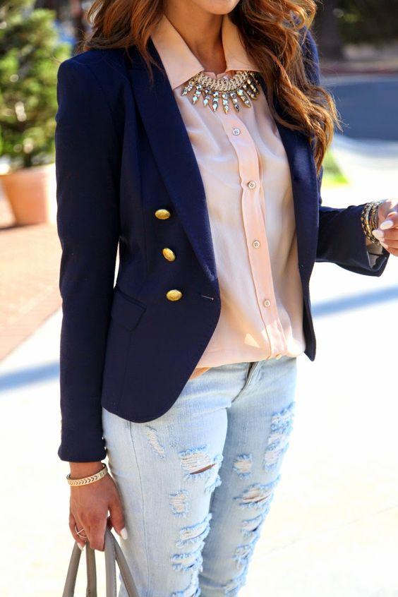 outfit con rosa para el trabajo