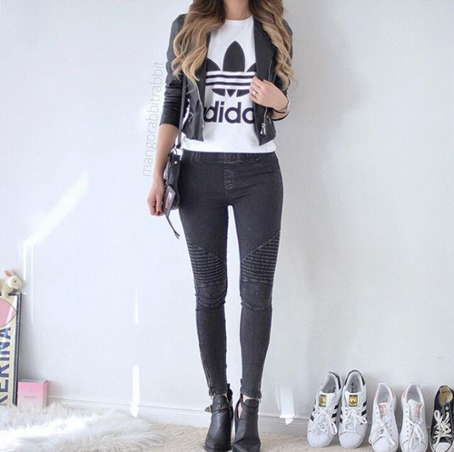 outfit jeans y adidas