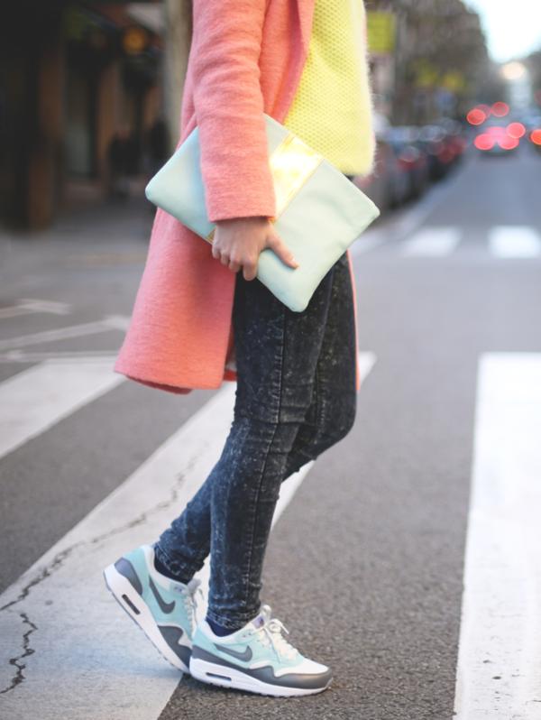 20 Looks fashionistas con tenis Nike Air Max | Vestidos en