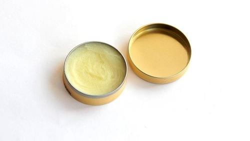 pistache lipbalm