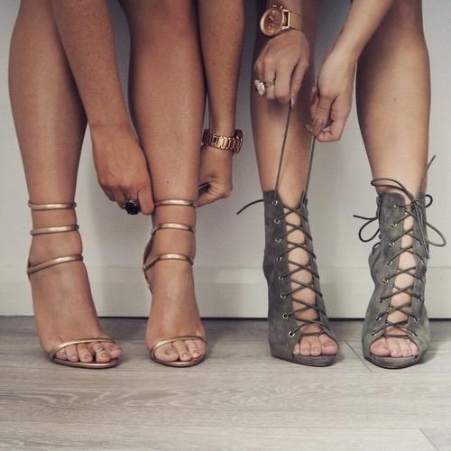 zapatos anillos selfies