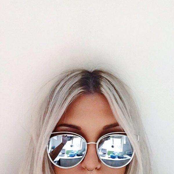 gray sunglases