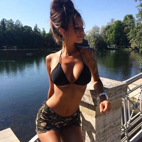 outfit bikini y shorts