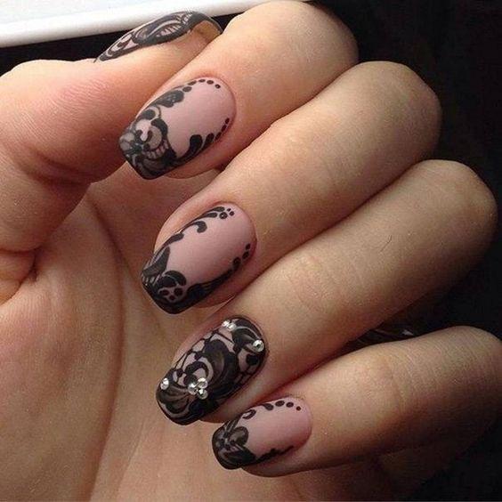 black_nails