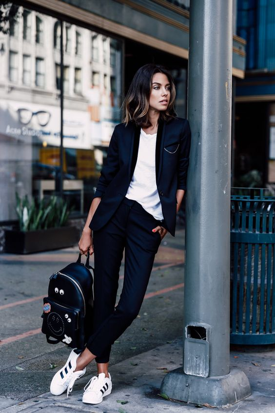 blazer-con-sneakers-outfit