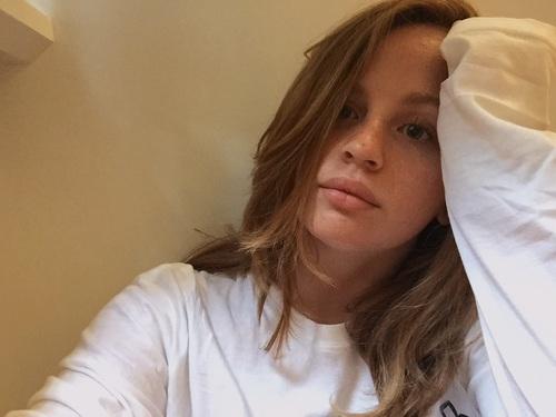 bored-selfie