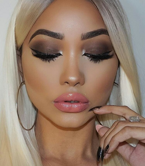 contouring chica