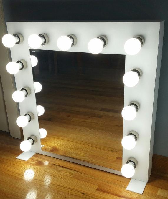 Espejos que tu diva interna necesita for Focos para espejos de bano