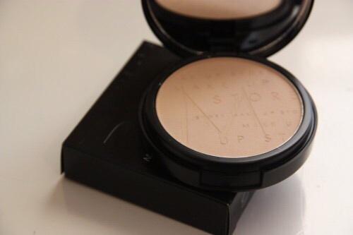 makeup -powder
