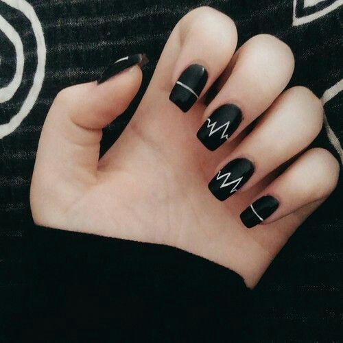nails-blanco-y-negro