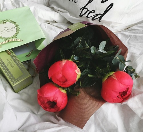 roses-date